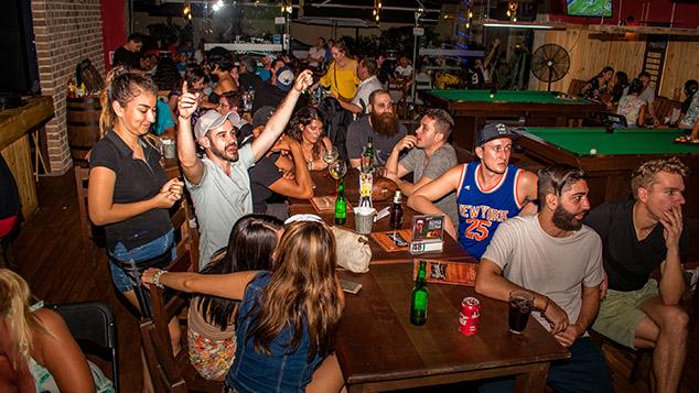 Baáxal Sports Bar